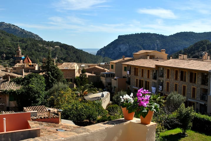 Charming tipical mallorquin house in Valldemossa