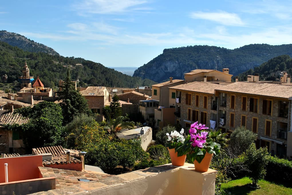Charming Tipical Mallorquin House In Valldemossa Houses