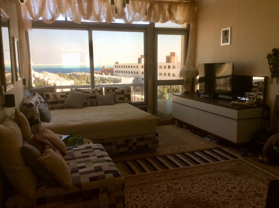 Lovely Sea View - Raised Bedouin Style Lounge Seating with Wide Screen Tv, Surround Sound & Bluetooth Speakers