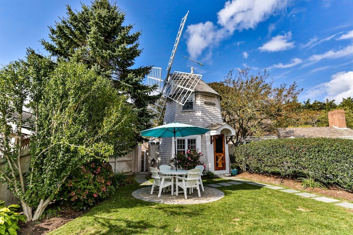 NEW!  Windmill Cottage!  Walk to Beach & Town!!