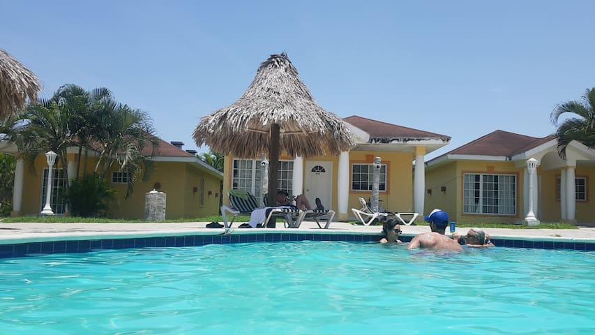 Casa De Playa Hotel Palma Real La Ceiba Honduras