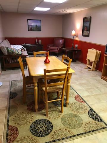 Private suite in Bent Creek/W. Asheville