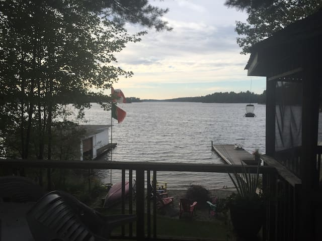 Tranquil cottage on Lake Muskoka - Torrance