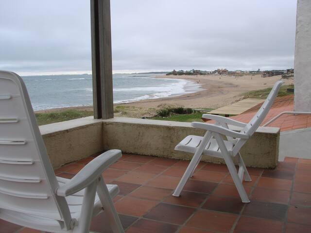 La Paloma  directo sobre la playa con bajada indep - La Paloma - House