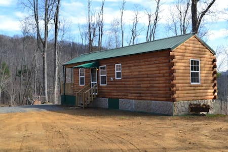 NEW LOG CABIN*REMOTE*MOUNTAIN TOP - Todd - Cottage