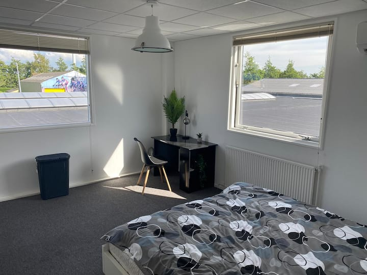 Ruime kamer met airconditioning in alkmaar