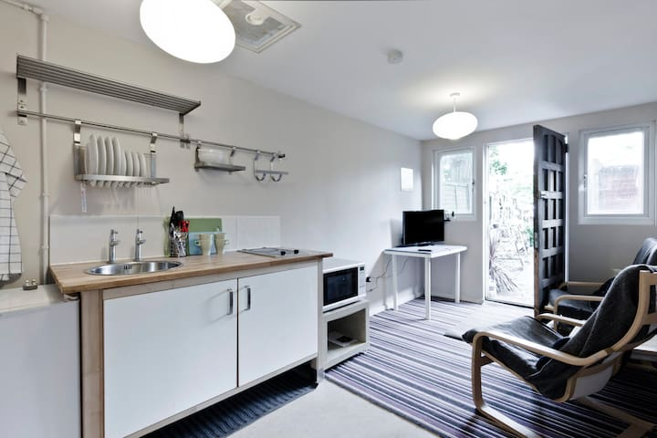 Small Kitchen with all the basics