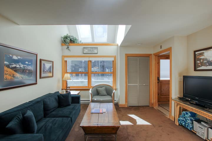 Ski-In/Out, Riverfront Condo at Lift 7 w/ Shared Hot Tubs - Walk to Shuttle/Town