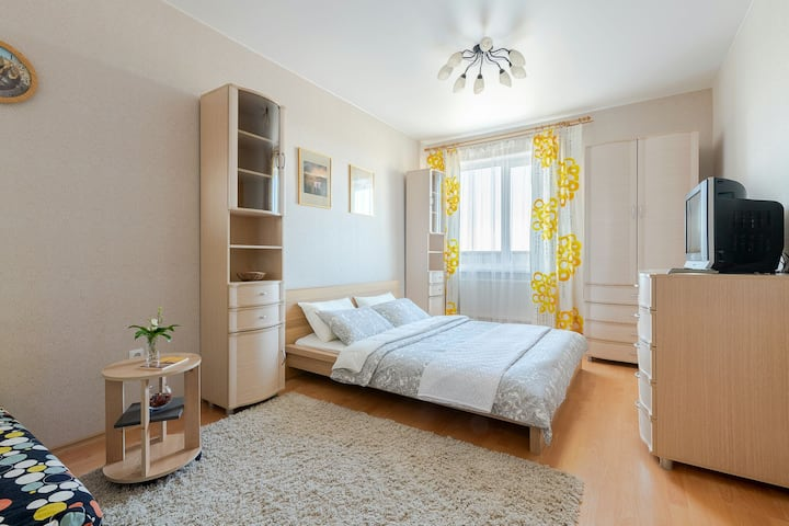 Солнечные апартаменты  Шуршавель (near EXPOFORUM )