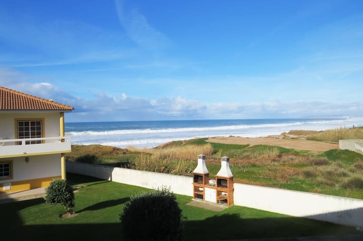 Sea View - Beach front -  4 guests - pool and BBQ - Ferrel - Casa