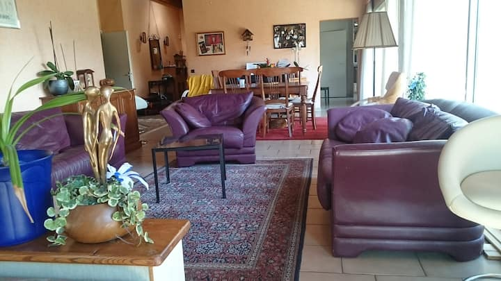 Quiet Room-single family home - Divonne-les-Bains