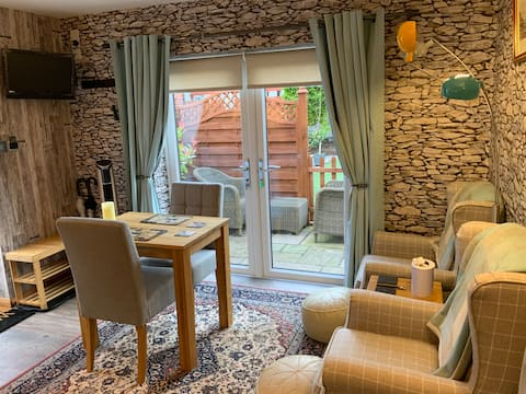 Oak Retreat -  a small but perfectly formed gem!