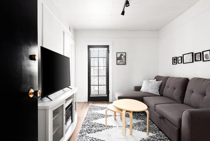 Beautiful Suite In the Heart of Broadway