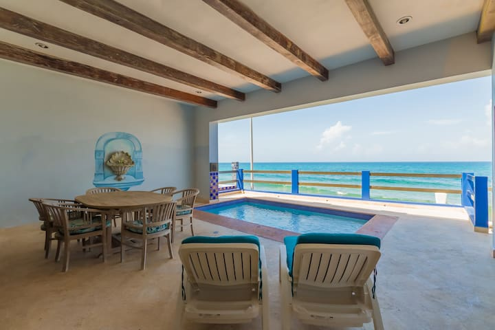 Downtown Luxury Oceanfront Retreat with Pool (2BR)