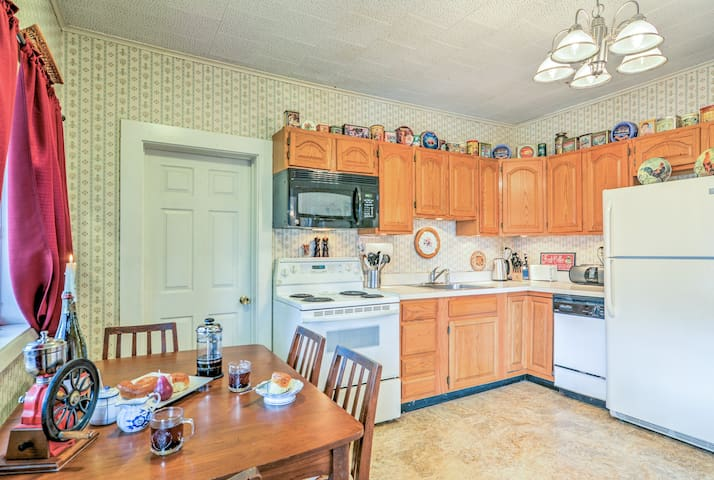 The interior boasts all the essentials, including a fully equipped kitchen.