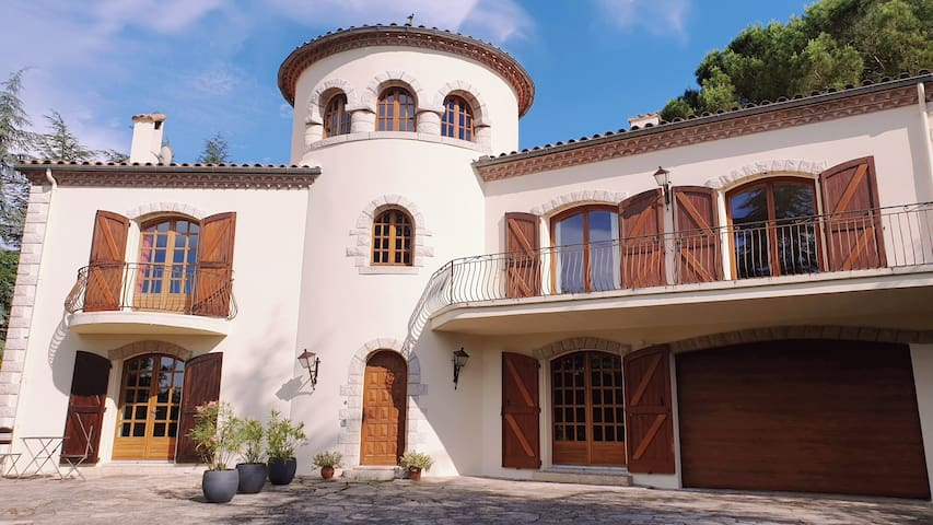 Beautiful cottage in Millau surrounded by nature