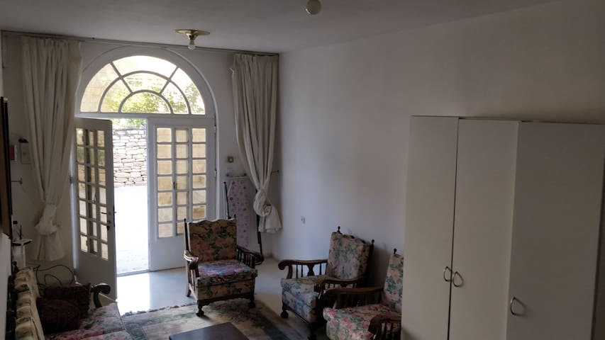 Lovely apartment in Bethlehem for long-term rental