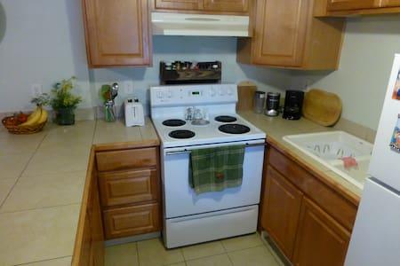 Tonasket Comfort & Convenience in Okanogan - Tonasket