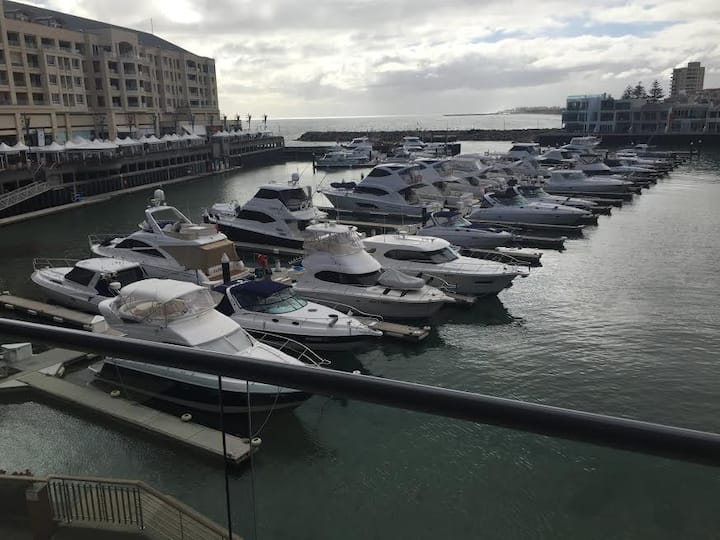 Glenelg Marina Apartment