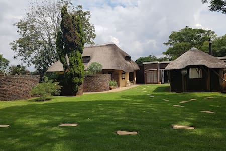 Short or long term accommodation - Country Living - Benoni - 牧人小屋