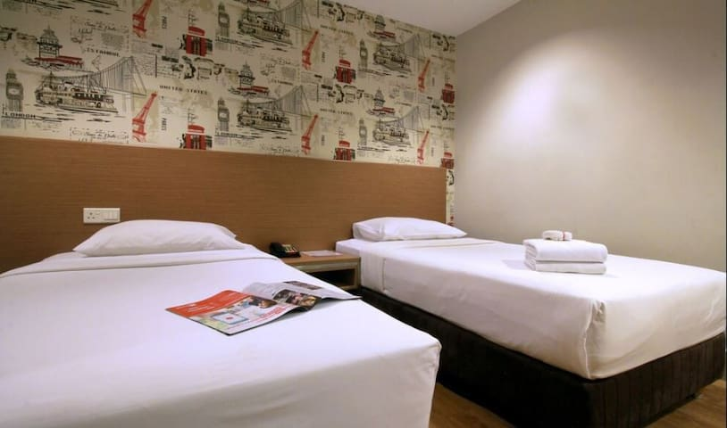 Twin Room @ HUT Apartel Pudu