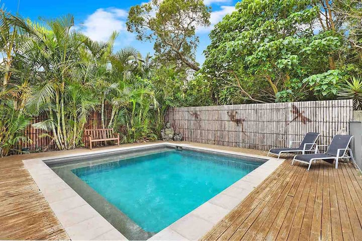 3 Bedroom Central Pet Friendly House with Pool