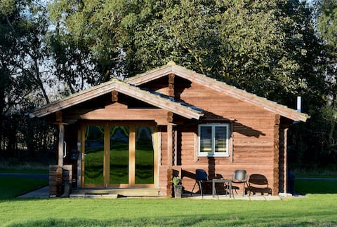 Lindley Log Cabin - South Carlton, Lincoln