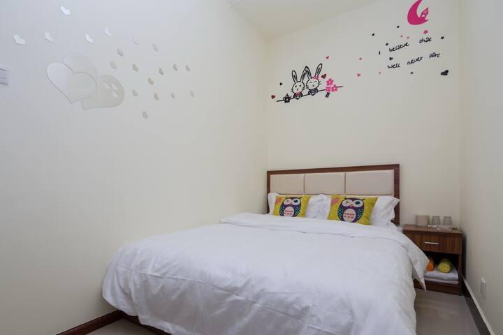 金马坊南屏步行街温馨大床房近地铁安全安静干净经济舒适1.5大床