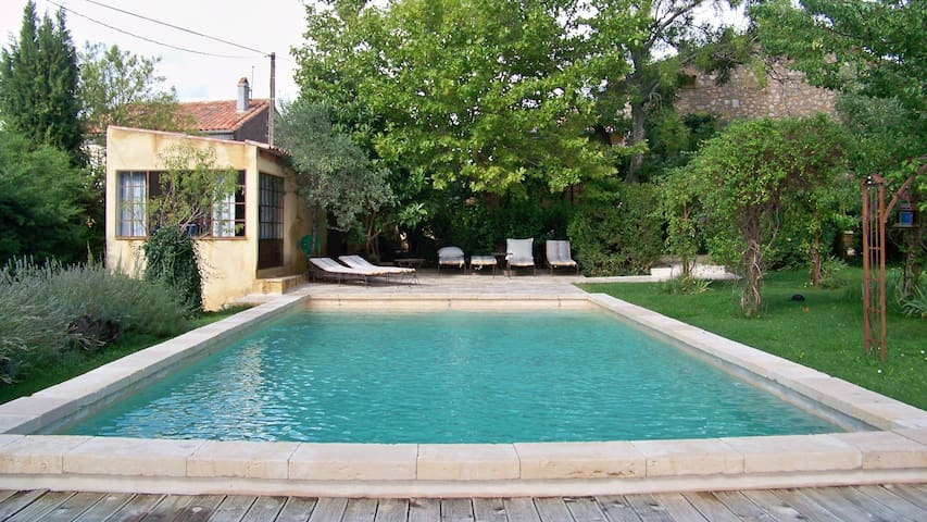 An authentic Bastide in Provence with large pool - Pourcieux - House