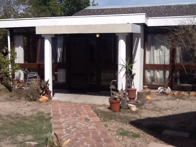 Cottage in Pinelands, Cape Town - Cape Town - Domek parterowy