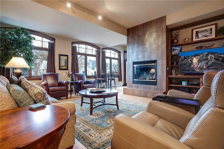 H207A by Pioneer Ridge: Downtown location + Near the Yampa River + Grill