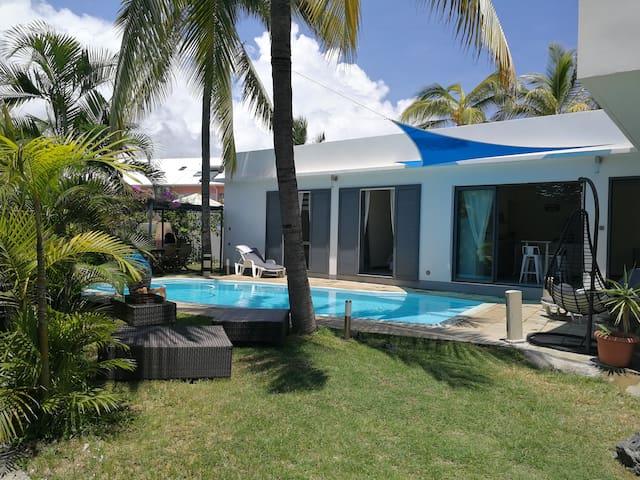 Villa Neuve design piscine 2 pas lagon Hermitage - L'Ermitage-Les-Bains - Casa de campo