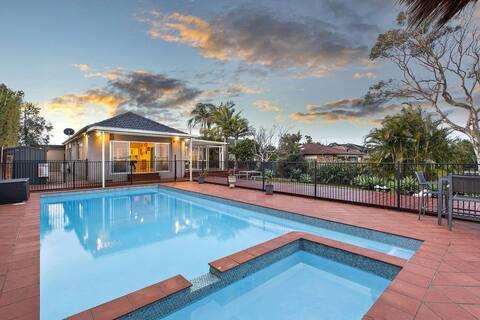 Lavish Lakefront Pool House