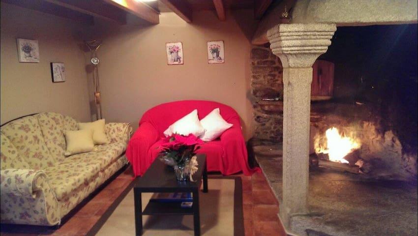 Casa del piedra a 15 minutos del mar - A Coruña - Hus