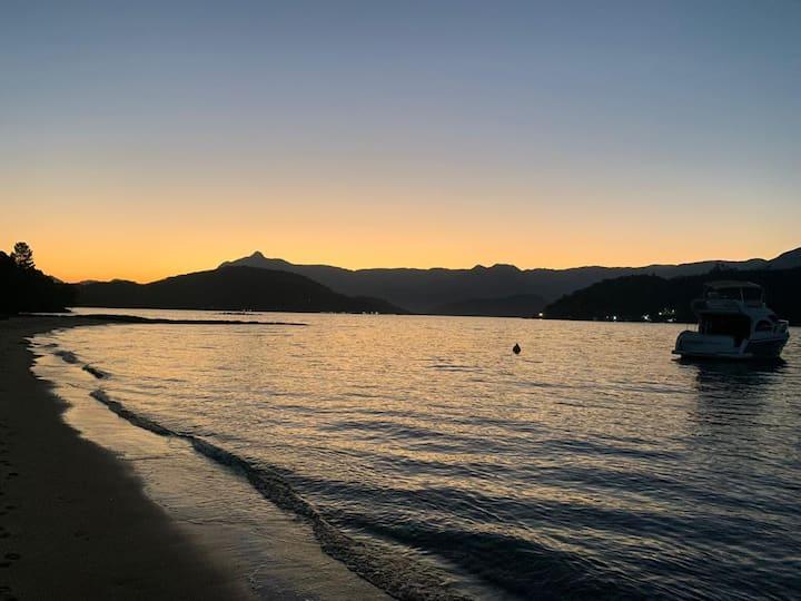 Casa 3 qtos a poucos passos de praia paradisíaca