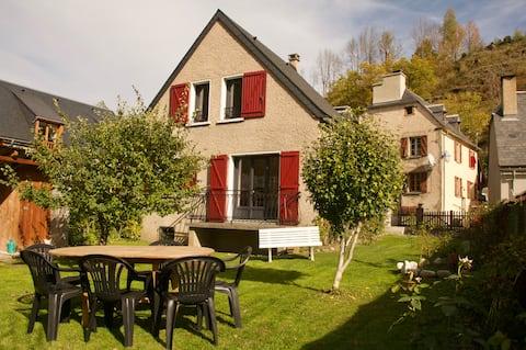 """""""Chez CASTET"""" Maison individuelle avec jardin"""
