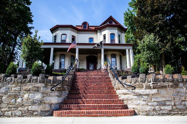 The Cassel House of Marietta EST 1885