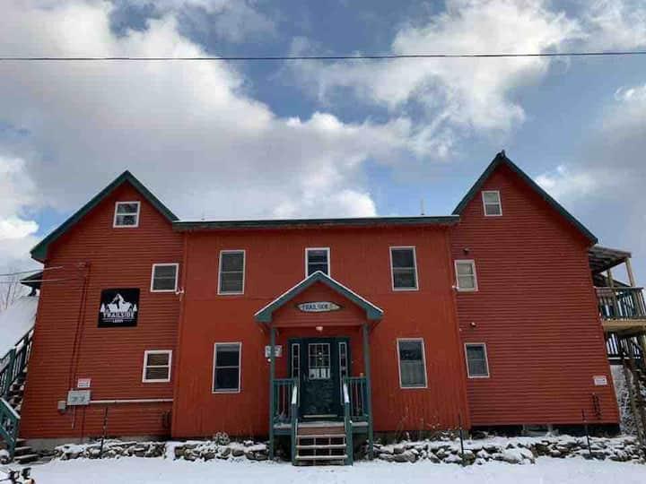 Trailside Lodge Suite One www.trailsidelodgenh.com