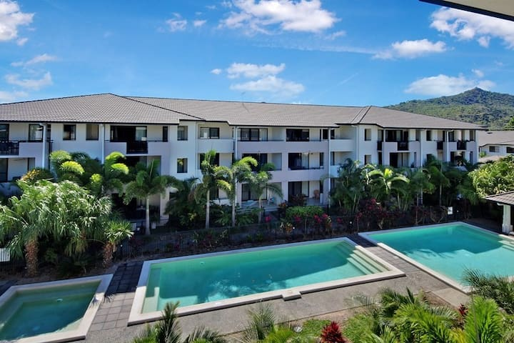 *3 BR-Stay $99 pn  7+ nights Pools safe complex*