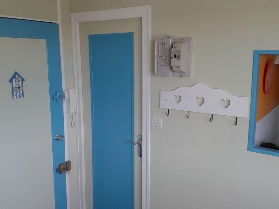Portes entrée et salle d'eau