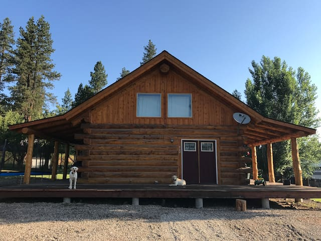 Shepherd Log Cabin Perect Eclipse Rental