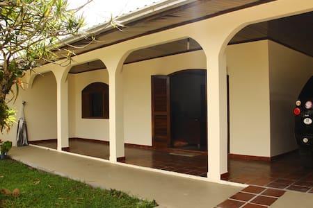 Exelente casa para temporada - Pontal do Paraná
