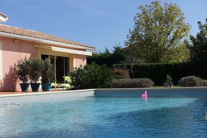 T2 avec jardin et piscine ,parking au LeTeich - Le Teich - Villa