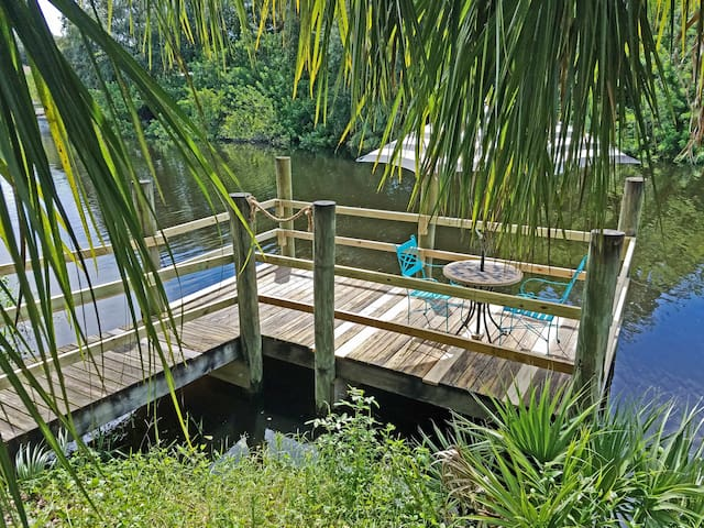 ROCK CREEK CANAL Cottage- OLD FLORIDA CHARM