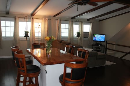 The Compound on Post Rd - South Kingstown - Apartament