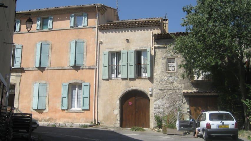 La Grange - Reillanne - บ้าน