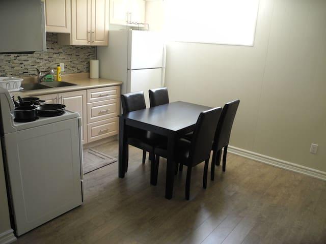 New 2 bedroom private apartment - basement - Toronto - Ev