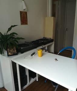Lovely studio in Montmartre