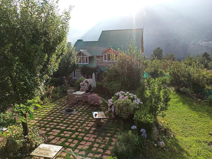 Meraki Cottages - Superior & Deluxe Cottage