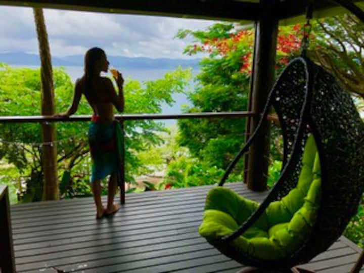 Chic Serene Beach Front Villa (Simply Amazing)